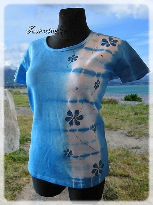 Dámské tričko batika s modrými květy