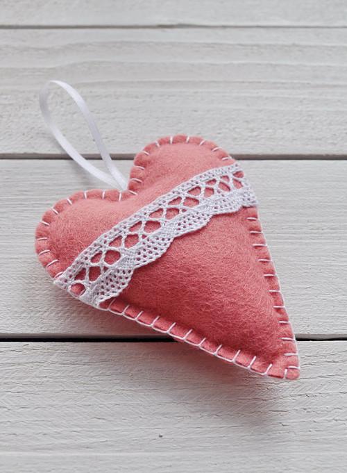 Srdíčko růžové s krajkou