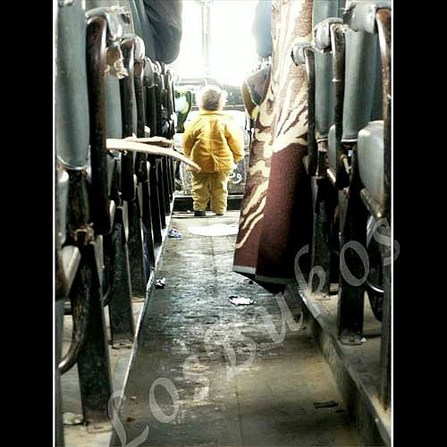 V autobuse