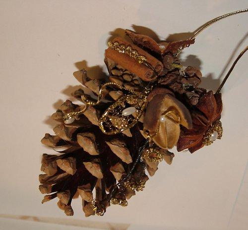 Dekorační a voňavá šiška biedermeier