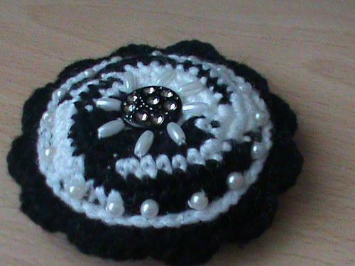 brož-černobílá perlová