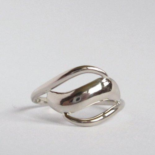Bílá vlnka (prsten z bílého zlata)