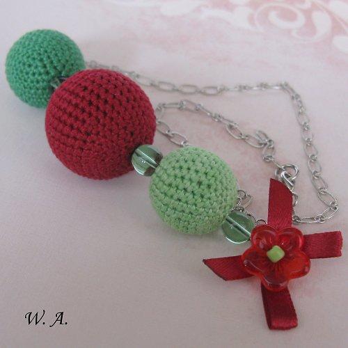 Karkulkovský náhrdelník