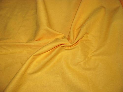 žlutá látka