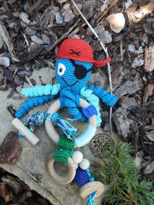 Háčkovaná chobotnice Pirát