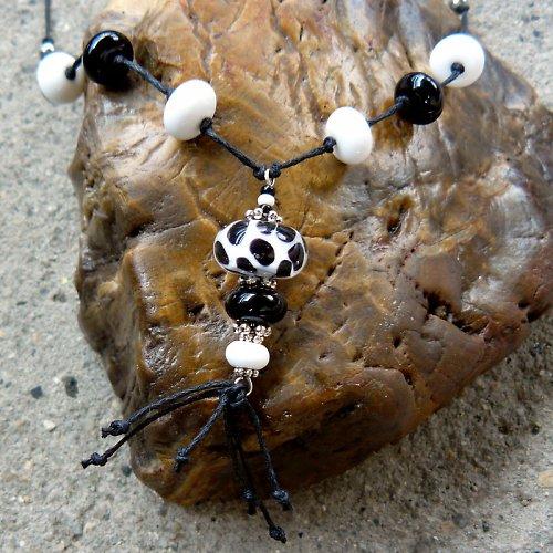 Náhrdelník -  9 bantamů - dalmatin