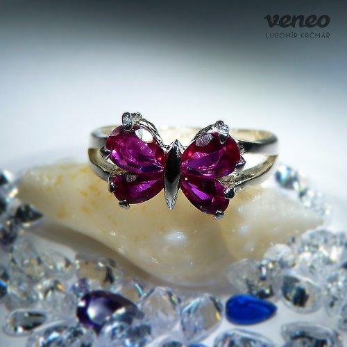 Motýlek - prsten s rubíny
