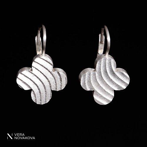 Náušnice Čtyřlístky na koso - stříbro