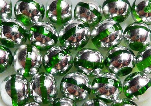 Skleněné korálky s proužkem 6 mm - zelená / 10 ks