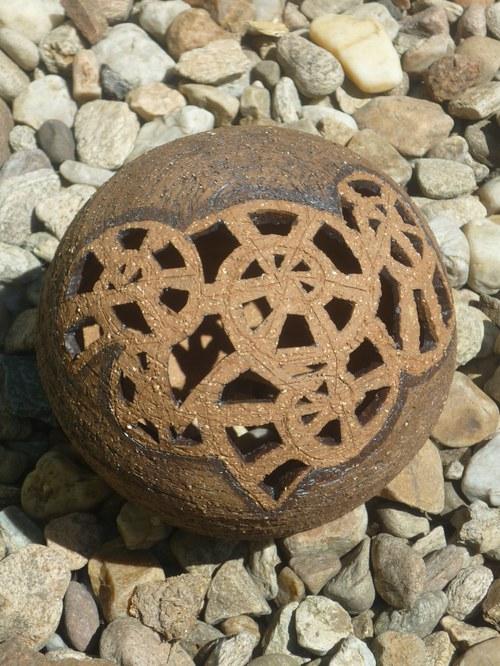 A zase ta koule do zahrady-35cm- vyřezávaná