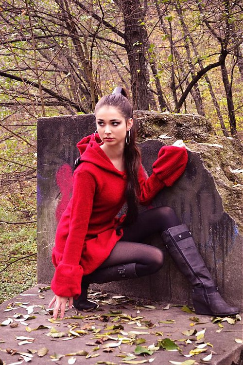 Červený kabátik