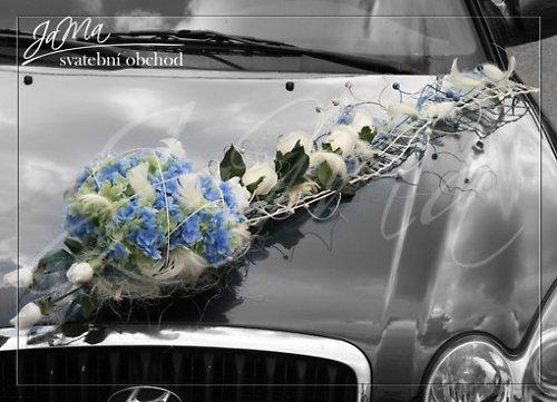 Dekorace auto \'\'Modré hortenzie-bílé růže\'\'