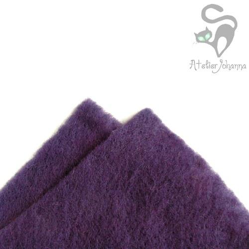 Prefelt fialová