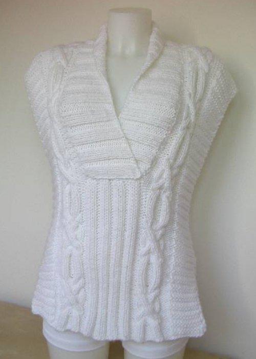 Bílá pletená vesta velikost  M - L