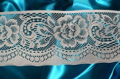 *Nottingahmské růže - krajka ve dvou tónech