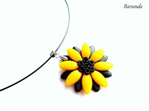 Květina žlutá