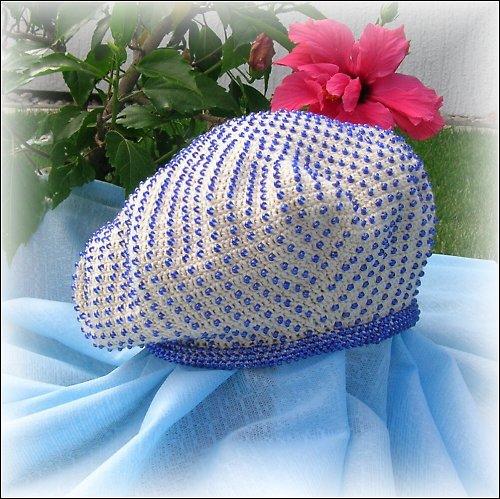 Za vůní Orientu - Háčkovaný baret posázený