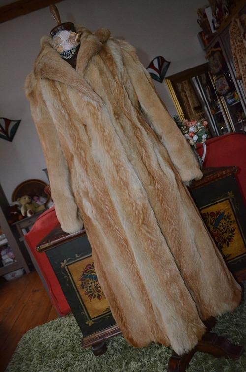 !!! UNIKÁT... dlouhý pravý kožich... !!!