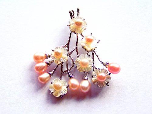 Přívěsek s růž.perlami a kvítky z perleti((PM111))