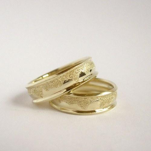 Láska, která nerezaví (snubní prsteny)