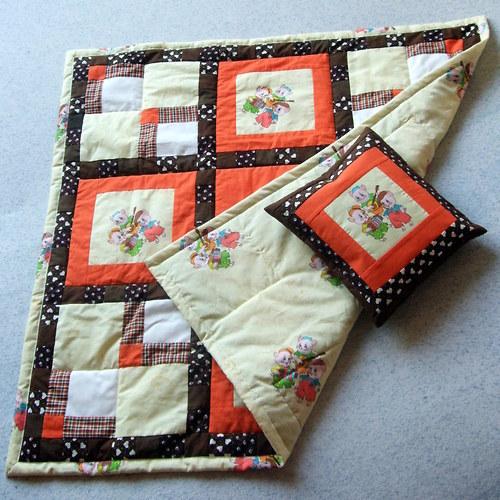 Dětská deka s polštářkem/ Tři malá prasátka