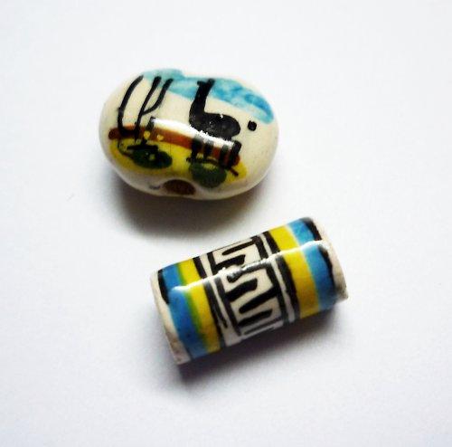 Porcelán.korálky s ručně malovanými obrázky (2 ks)