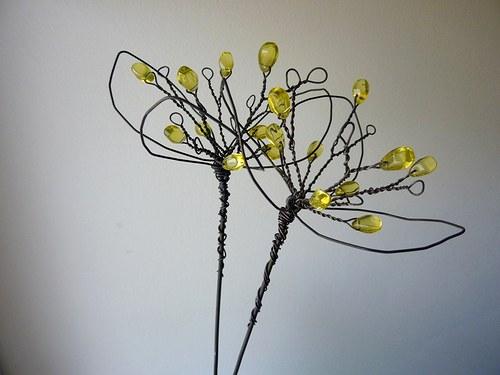 Květinky žluté .... zápich