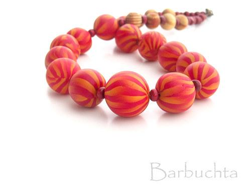 Rubínové korále + náušnice.