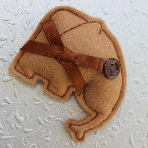 Hnědý sloník Béďa