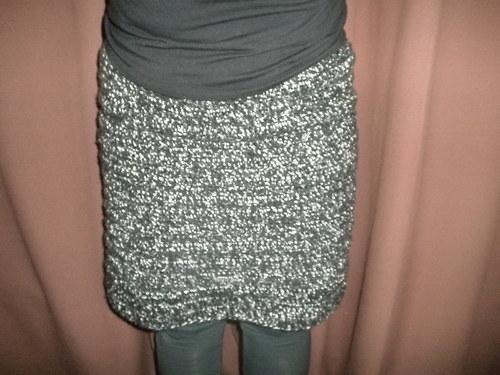 Háčkovaná sukně