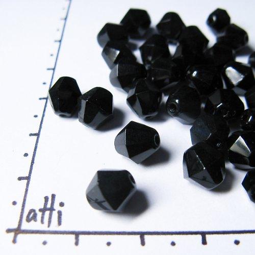 Broušené sluníčka 8 x 8 mm černá 10 ks