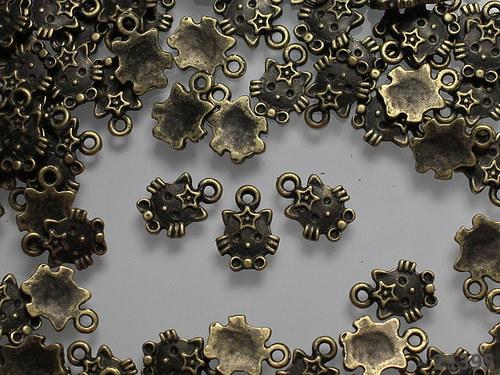 21395 Vintage přívěšek bronz KOČIČKY, bal. 5ks!