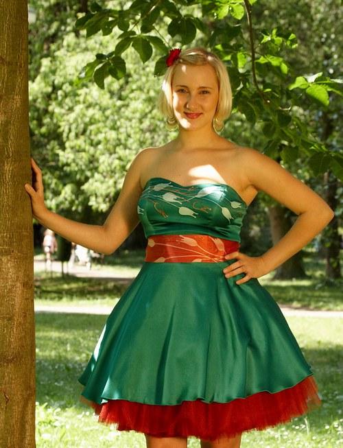 Zelené  hedvábné šaty