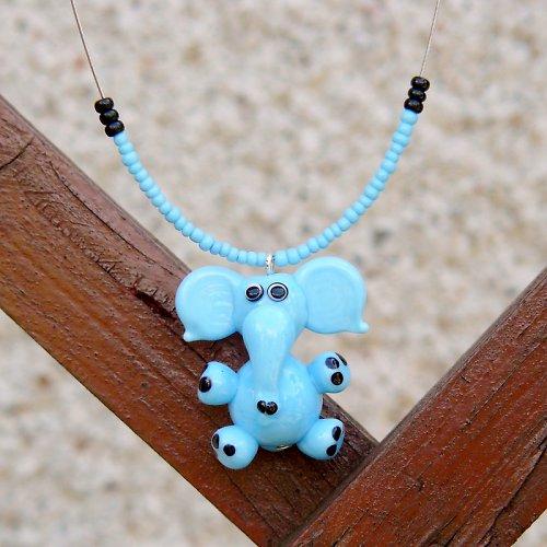 Modrý slon - vinutá perle
