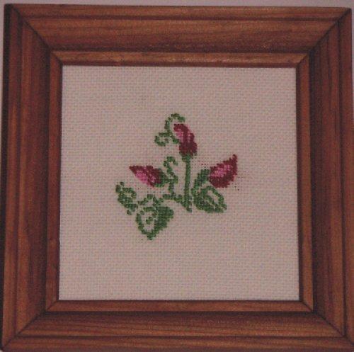 Vyšívaný obrázek - růžová poupata