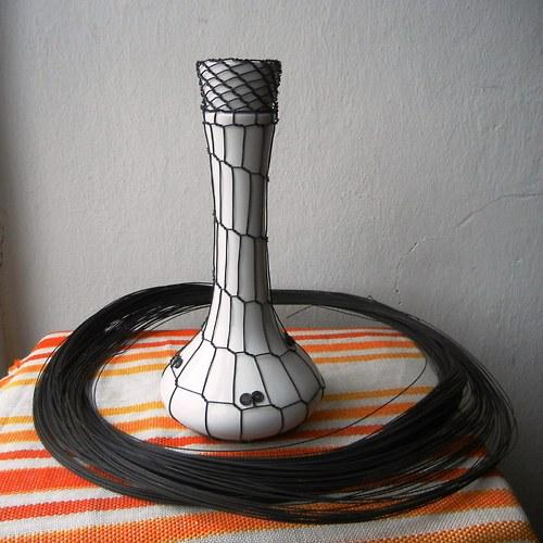 Váza Elza