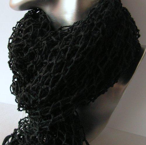 Ručně síťovaná šála dlouhá černá