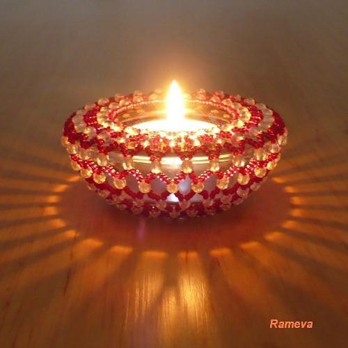 Korálkový svícen