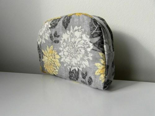 Kosmetická taštička-sivá s kvetmi II.