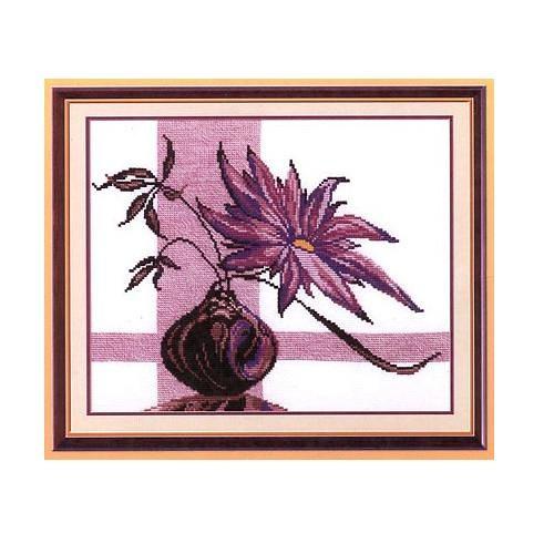 květina ve fialovém