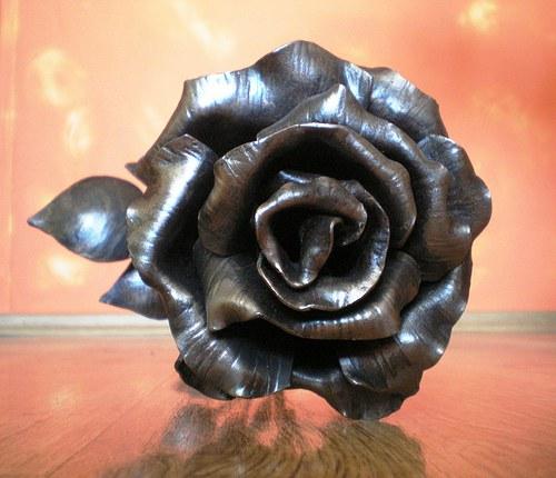 Kovaná velká růže
