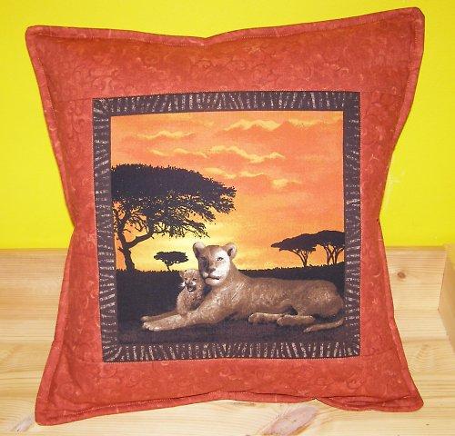 Západ slunce v Serengeti - lvice