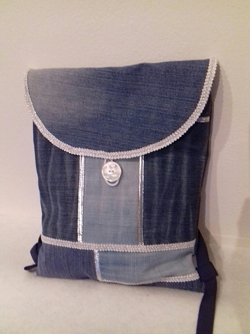 Stříbromodrý batoh