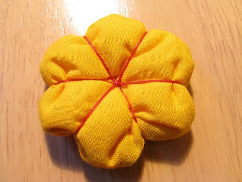 žlutá kytička