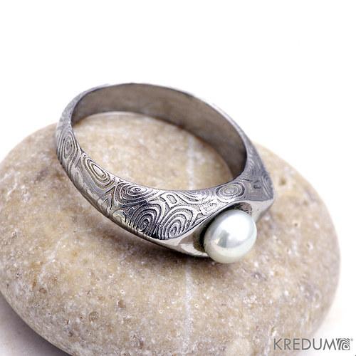 Zásnubní prsten damasteel s pravou perlou - Gracia