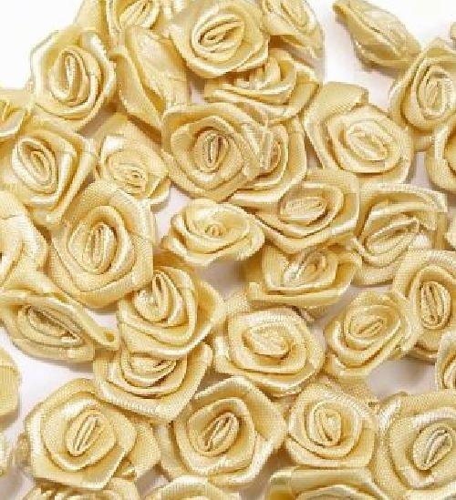 Saténová růžička 10 ks: Krémová