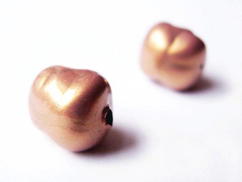 Smaltovaný korálek zlatý ((KOM104))