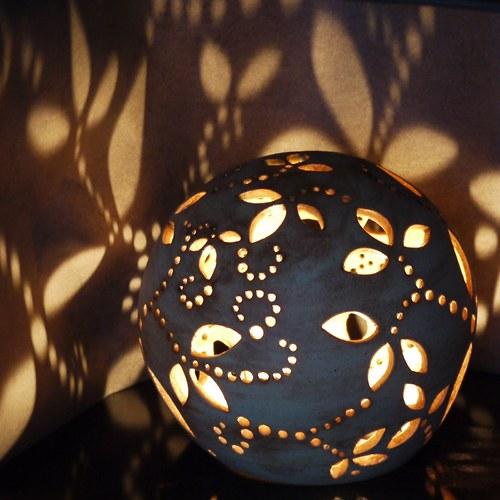 Kameninové zahradní světlo - Rašení