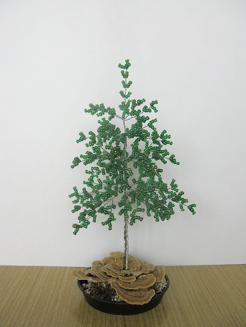 Stromek z korálků