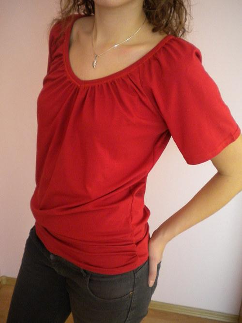 Nabírané tričko -velikost L,XL